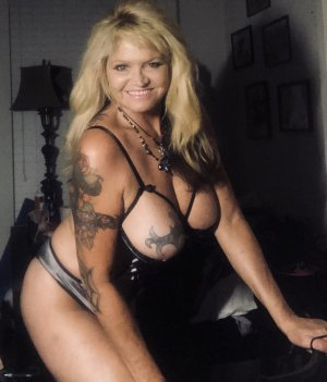 Khaldia outcall escort in White Oak OH