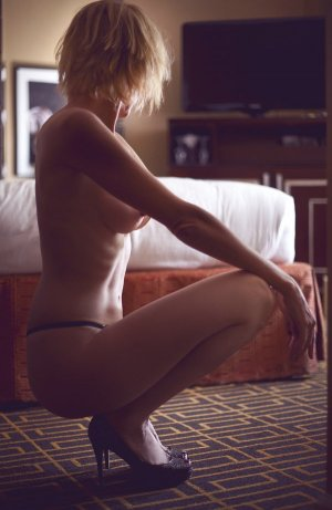 Marie-elena independent escort in Newton IA